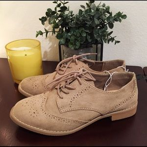 NWT GAP Factory Lace-Up Oxfords
